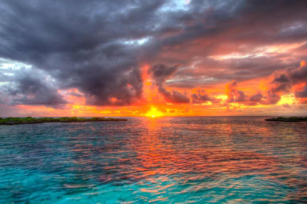 Bora Bora Sunset | On our last night we took a private sunse… | Flickr