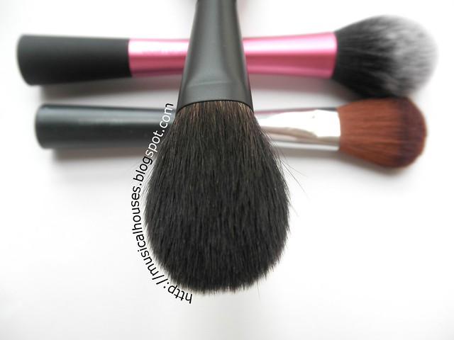 Hakuhodo Kokutan Blush Brush S (2)