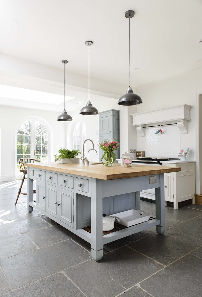 Modern country style great british bake off 39 s miranda for Contemporary country