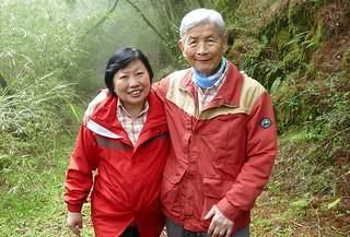 2016年6月楊南郡、徐如林第無數次重返合歡古道留影。圖片來源:林務局提供