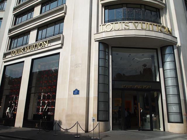P5281809 Louis Vuitton ルイ・ヴィトン フランス パリ お買い物
