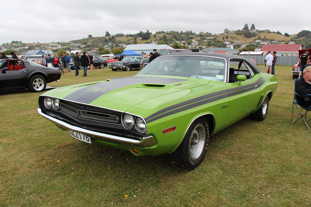 dodge challenger rt  hardtop green  dodge sas flickr