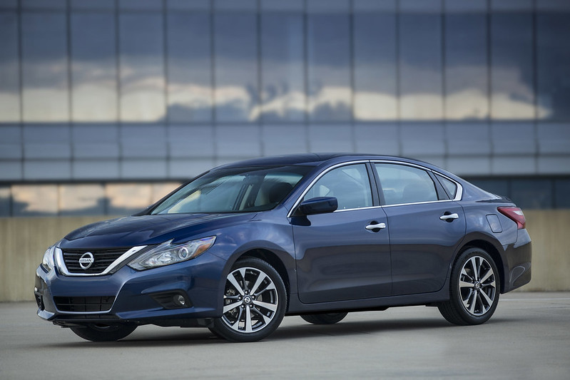 2017_nissan_altima_carbonoctane_1