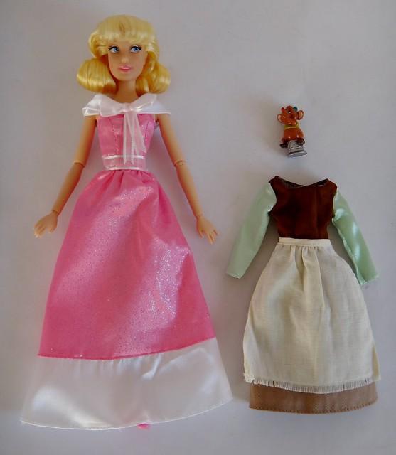 Disney Princess Cinderella Singing Doll And Costume Set: 2013 Cinderella Singing Doll And Costume Set