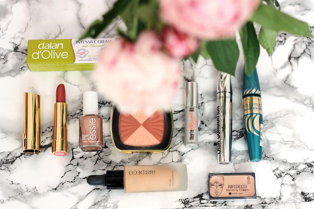 beauty-beautyblog-monatsfavoriten-juni-bareminerals-benefit-primer1.2