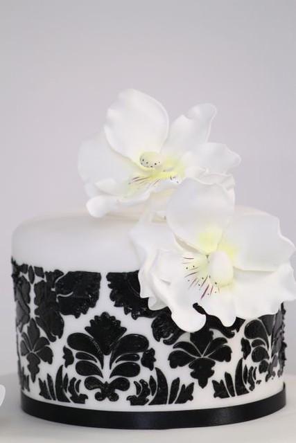 v hochzeitstorte schwarz wei damaskmuster orchideen modern flickr photo sharing. Black Bedroom Furniture Sets. Home Design Ideas