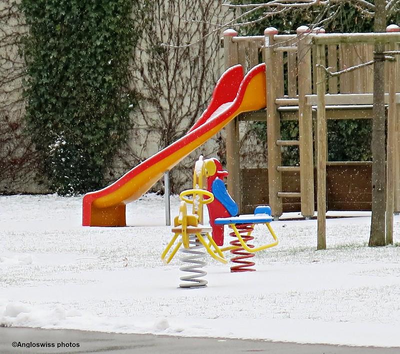 Playground in snow Migros Langendorf