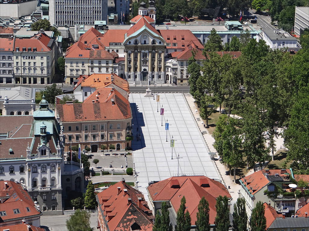 La place du congr s ljubljana la place du congr s vue for Architecte 3d wikipedia
