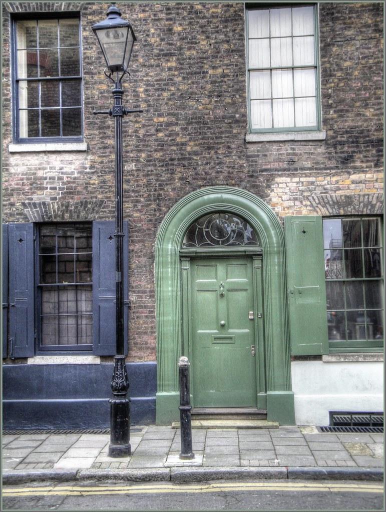 Weave house spitalfields spitalfields 39 historic associatio flickr for Exterior house painting liverpool