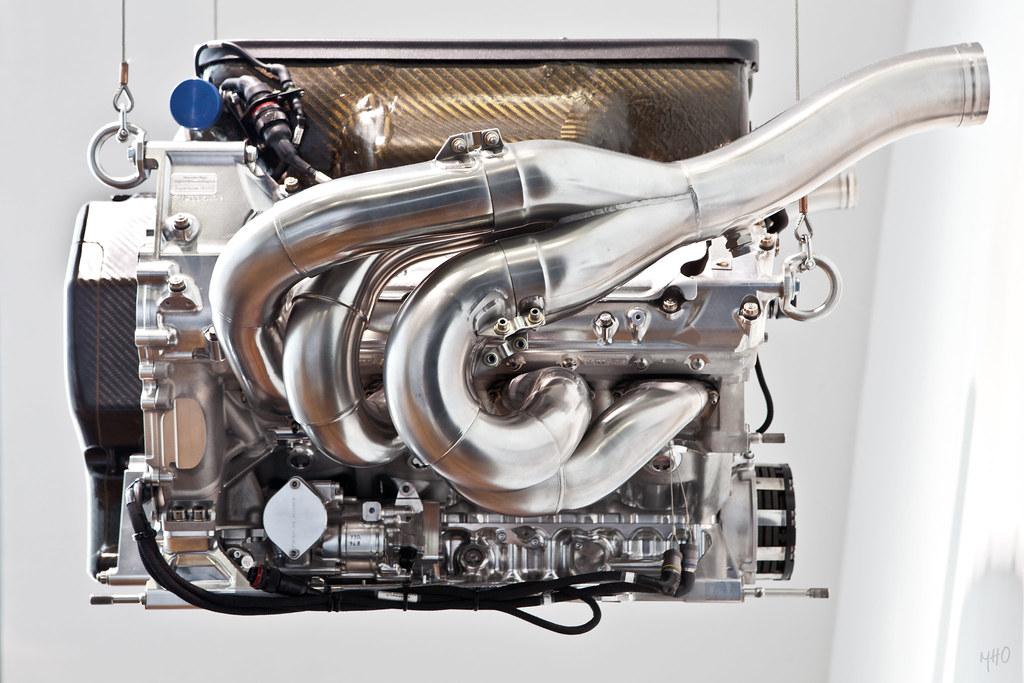 Mbz mercedes benz 750bhp f1 v8 engine 8 365 flickr for Mercedes benz v8 engines