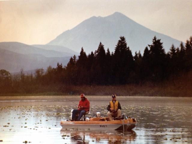 Fishing on silver lake cowlitz county washington may for Silver lake washington fishing