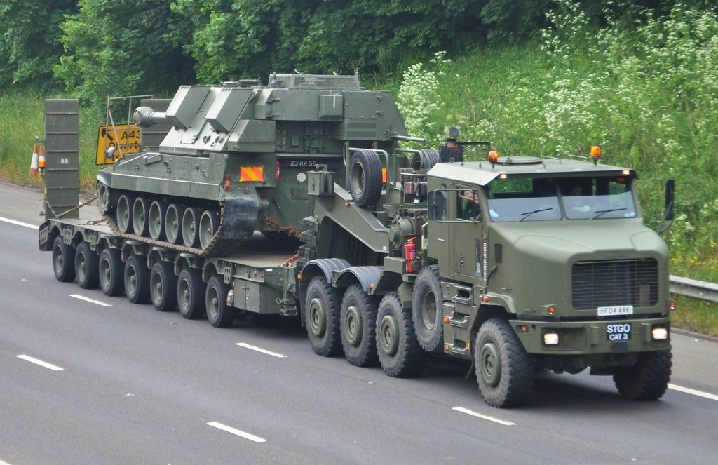 Military Vehicals For Sale >> Tank Transporter | This Oshkosh tank transporter and tank wa… | Flickr