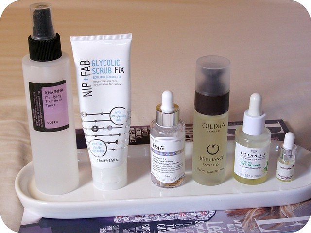Summer-Skincare-Routine-Treatments