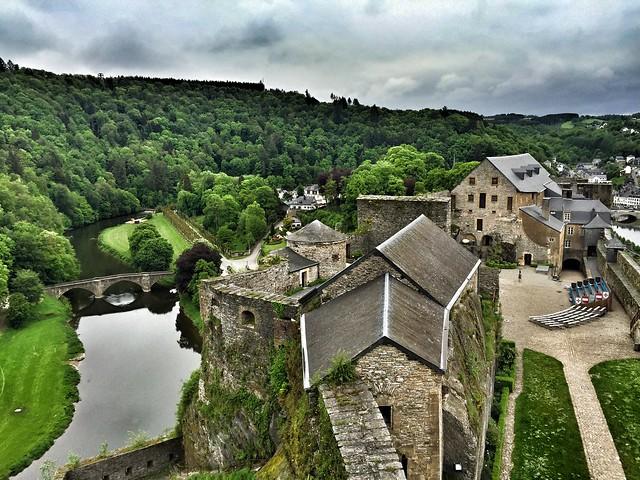 Vistas del castillo de Bouillon (Valonia, Bélgica)