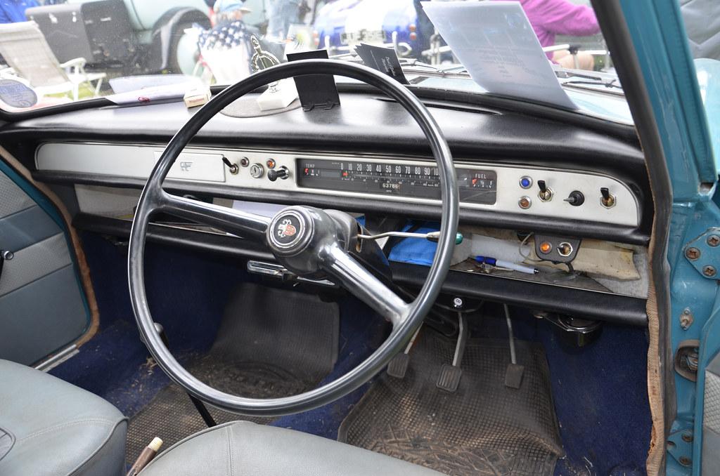 "Austin 1100 Interior | That wonderful ""ribbon"" speedo ..."