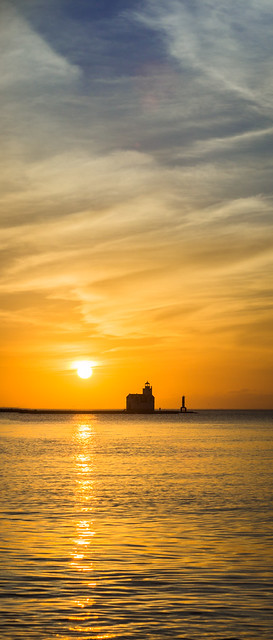 Kewaunee, WI, Lake Michigan, Lighthouse, Sunrise