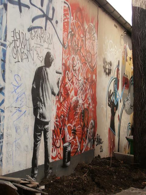 Peintre peinture murale street art vers les filles du calvaire paris 11e flickr photo for Peinture nacree murale