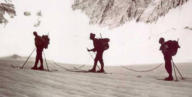 Διασχίζοντας τον παγετώνα το 1944