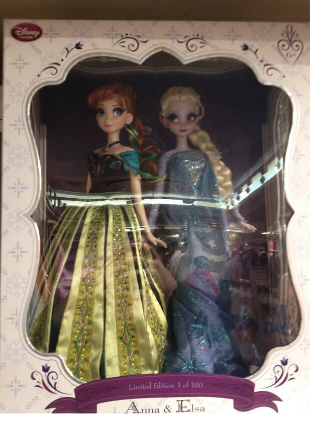 Frozen Anna And Elsa Limited Edition Dolls In One Box