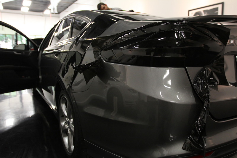 Berserk Ford Fusion 2013 Super Gloss Black Roof Smoked L