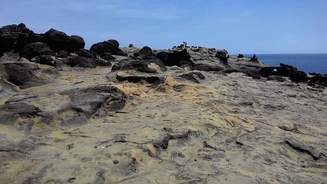 一個個聳立起來的蕈狀岩,令人讚嘆不已。攝影:林倩如。