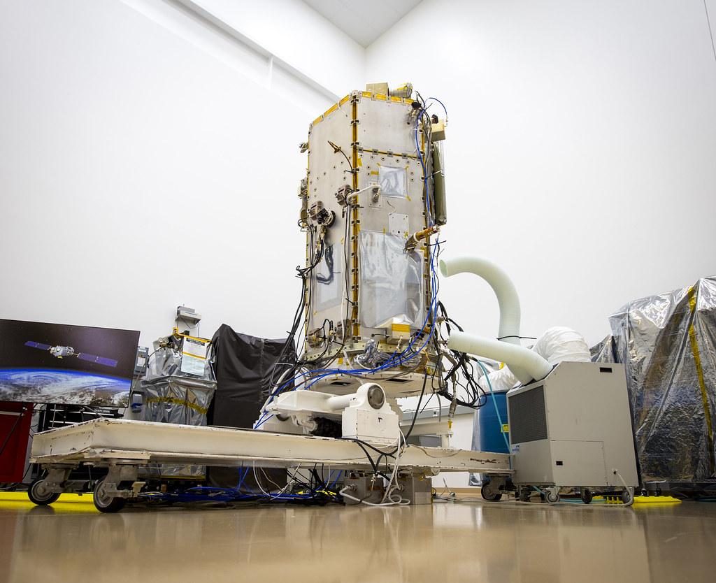 NASA Administrator Views OCO-2 Satellite (201308090006HQ ...