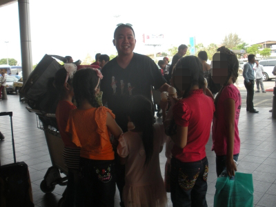 Children at OBV House Cambodia Welcomed Dad Thong at The Airport