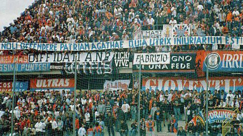 9 giugno 2002: Tifosi rossazzurri presenti allo