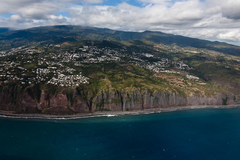 Vue aérienne de l'Ile de La Réunion : La Montagne   Au ...
