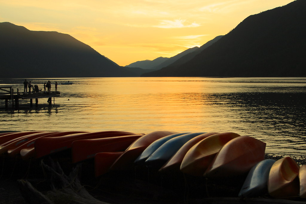 Sunset on lake crescent olympic national park wa hi for Log cabin resort lago crescent wa