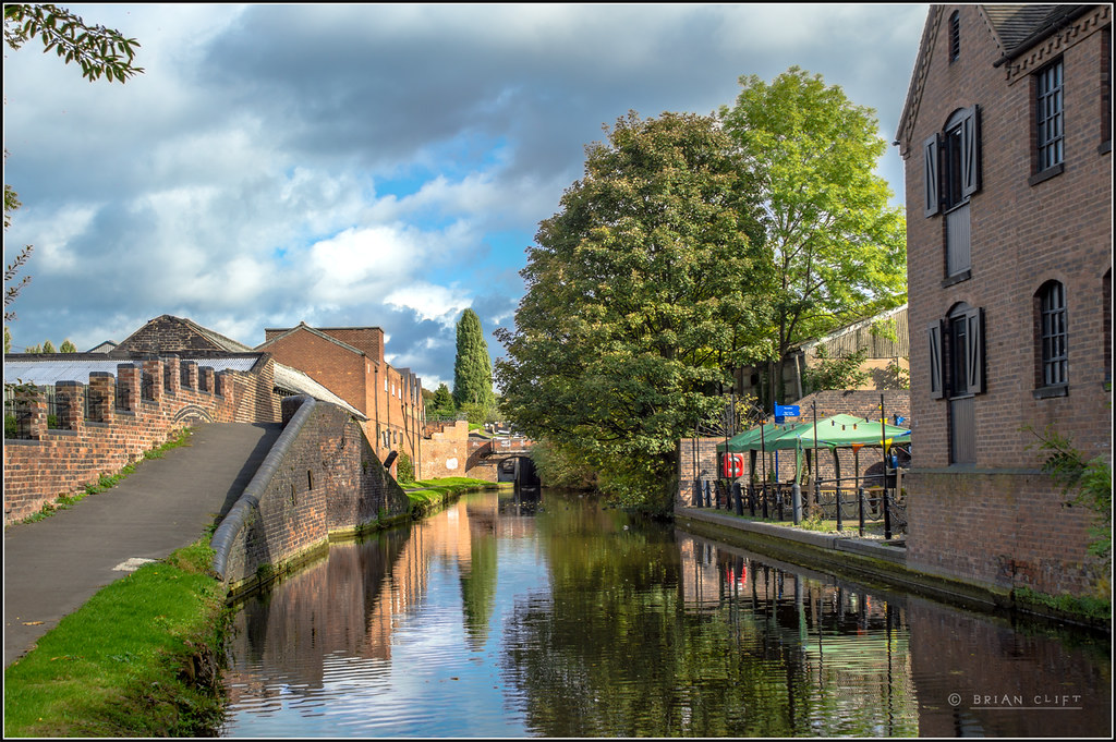 Hard Water Areas >> Stourbridge Canal, Wordsley   The Stourbridge Canal as it pa…   Flickr