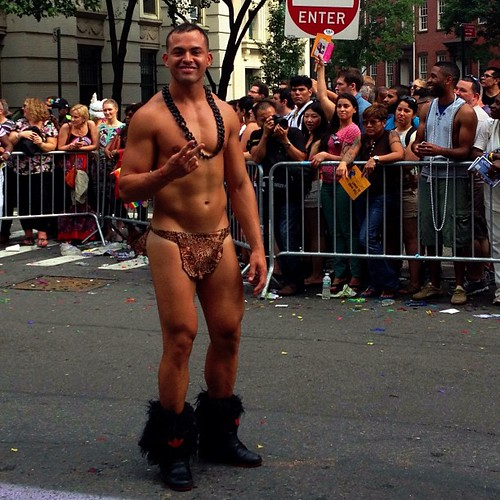Gay Latino Bar 117