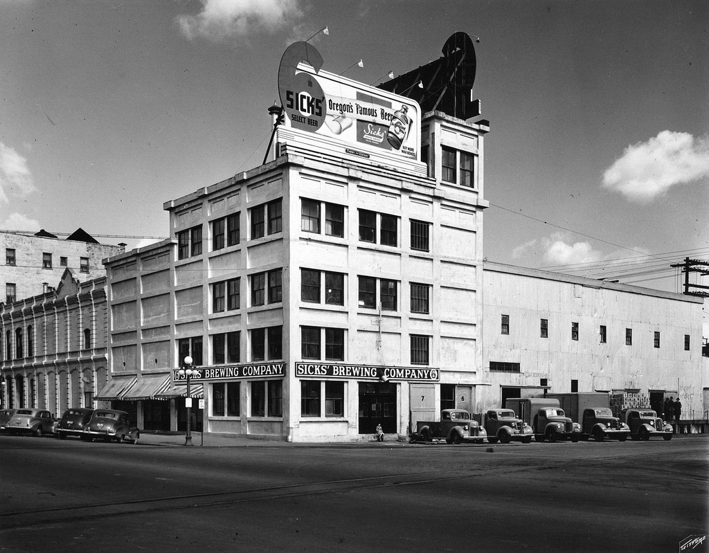 Sick's Brewing Company - Salem, Oregon USA - 1940s