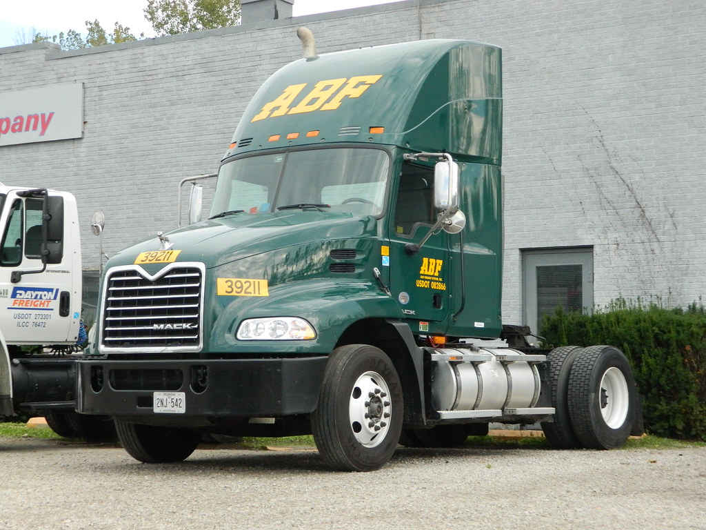 Abf Freight Systems No 39211 2000s Mack Pinnacle