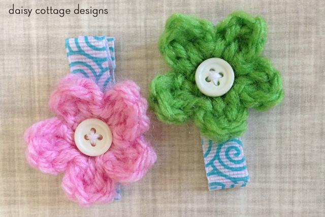 Crochet Small Daisy Flower Pattern : tiny little flower crochet pattern Flickr - Photo Sharing!