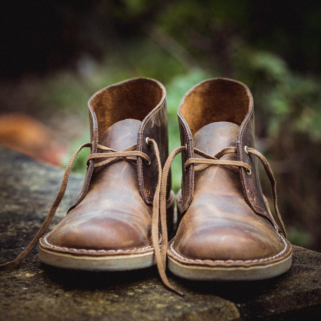 clarks originals desert boot in brown leather