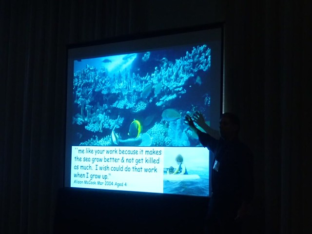 Dr. Laurence McCook最後一個投影片感動人心。攝影:溫國彰。