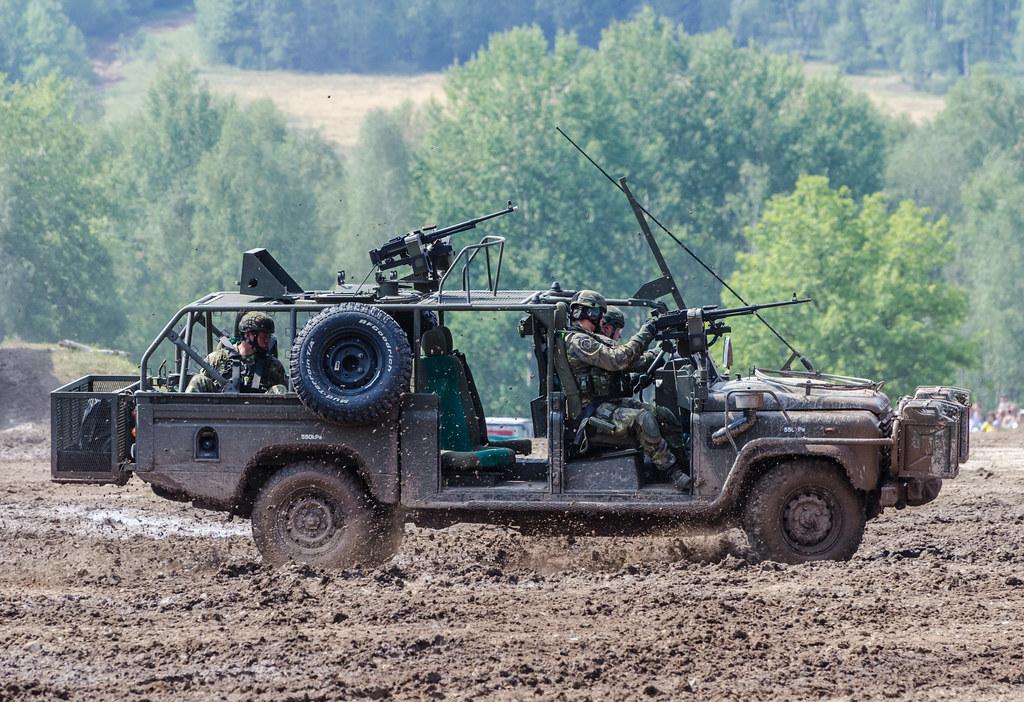 Land Rover Defender 130 Kajman Final Czech Special