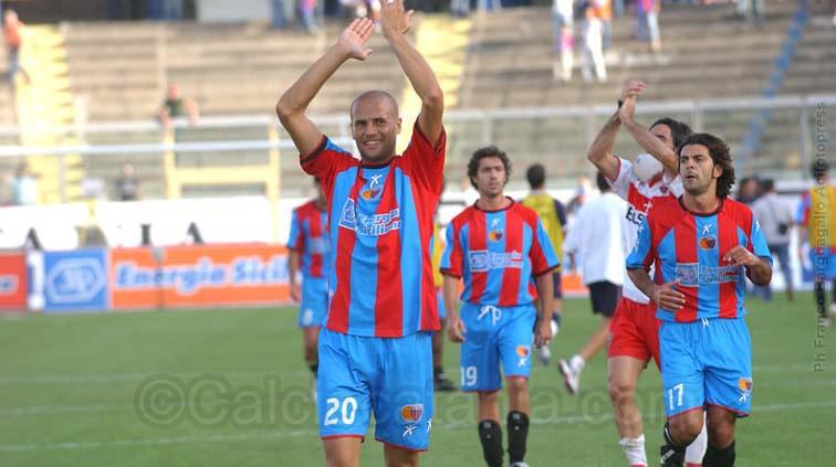 Paolo Bianco in maglia rossazzurra nel post Catania-Triestina del 2004-05