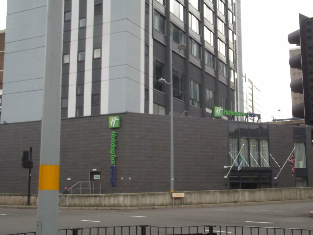 Holiday Inn Express K Ef Bf Bdln City Centre