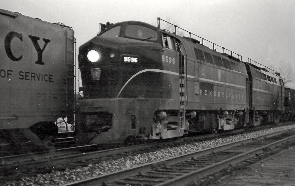 Pennsylvania Railroad Baldwin Rf 16a Sharknose Diesel Elec