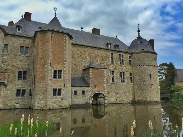 Castillo de Lavaux Sainte Anne (Valonia, Bélgica)