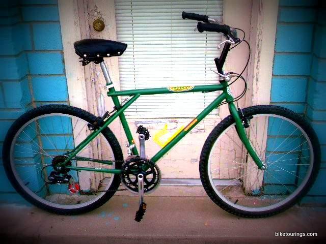 gt cruiser 4 old gt mountain bike frame found in junk. Black Bedroom Furniture Sets. Home Design Ideas