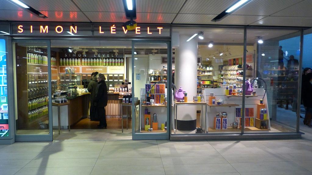 Afbeeldingsresultaat voor Simon Lévelt Amsterdam Centraal Station