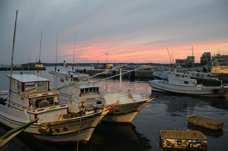 將軍嶼的港口,停滿漁船。攝影:潘佳修。
