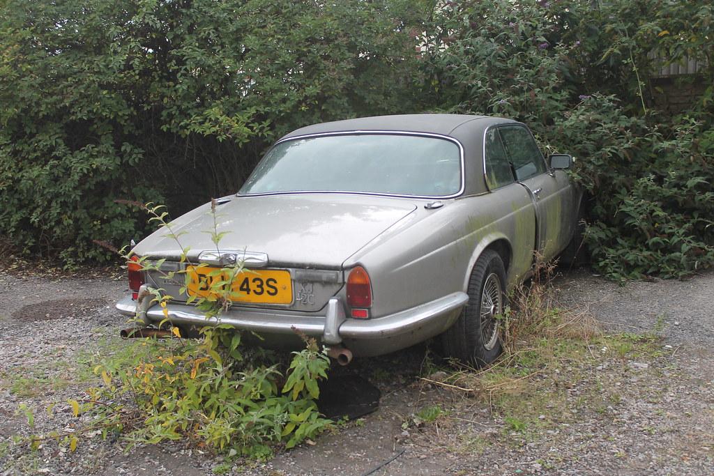Abandoned Jaguar XJ Coupe 4.2, 1977 | Nice big 4.2 litre ...