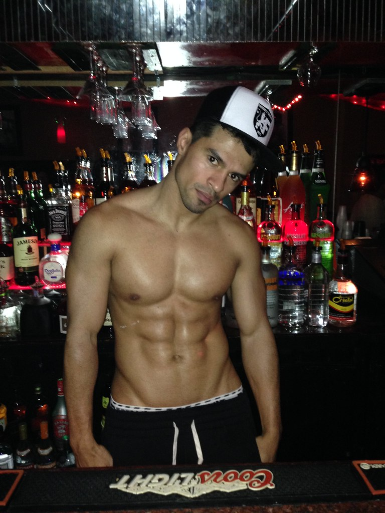 where to meet hot guys in nyc