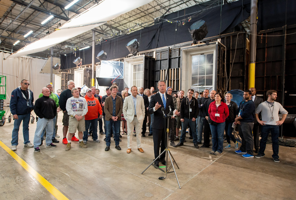 Governor Tours the House of Cards Set | Governor Tours the ...