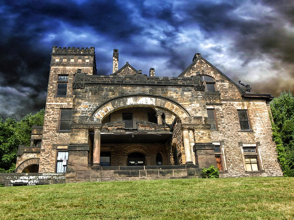 Sharon Pa Victorian Stone Mansion On The Hill Abandone