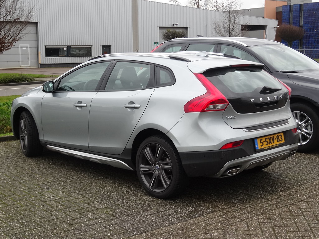 2014 Volvo V40 Cross Country The Cross Country Has